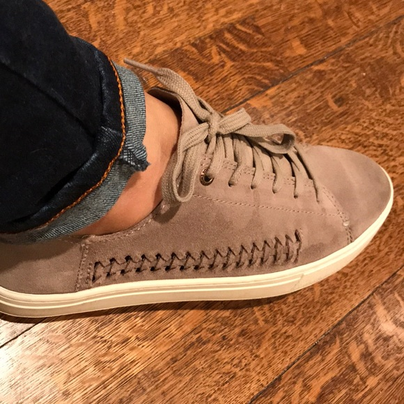e3e7b54563d TOMS Suede Lenox Sneakers Shoes. Size 9. M 5a84d05372ea886ccb84415f